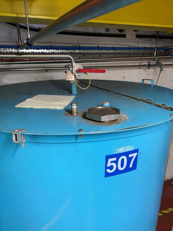 1500_stainless_steel_storage_tank_vessel_hinging_lid_top_inlet